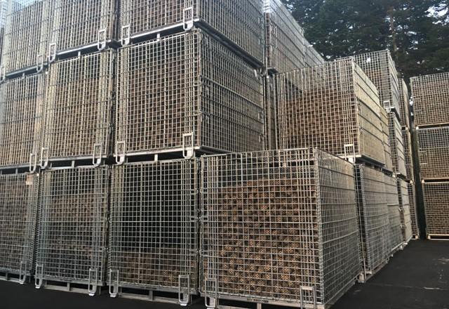 メッシュタイプ鉄コンテナM-1 馬鈴薯収穫貯蔵用に~北海道の農業法人さま