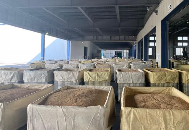 穀物用としてメッシュタイプ鉄コンテナ~北海道のJA